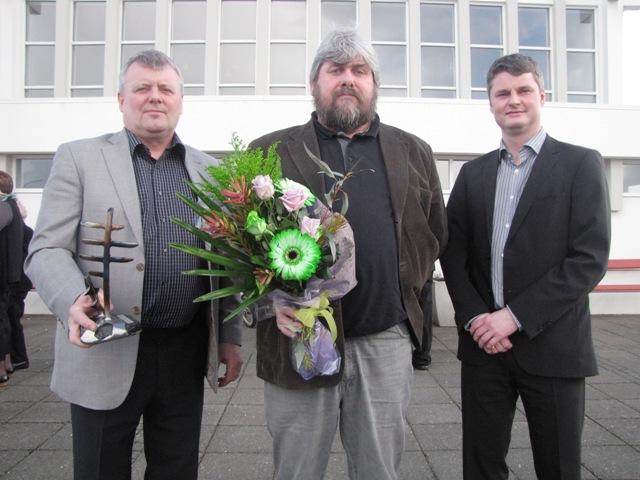 Hver fær menningarverðlaunin 2012?