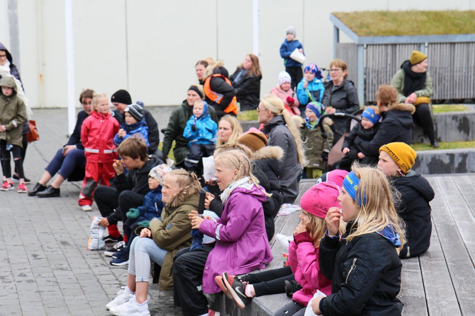 Grindvíkingar gerðu sér glaðan dag á blautum þjóðhátíðardegi