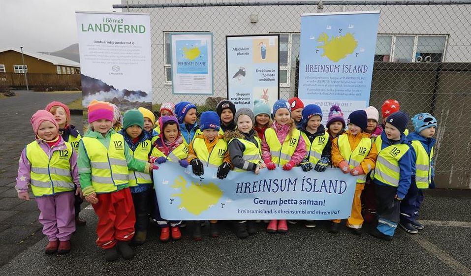 Mynd fyrir Átakið Hreinsum Ísland hófst í Grindavík í dag