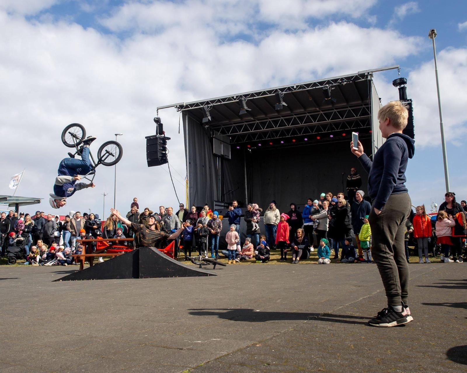 BMX brós með námskeið og sýningu á miðvikudaginn